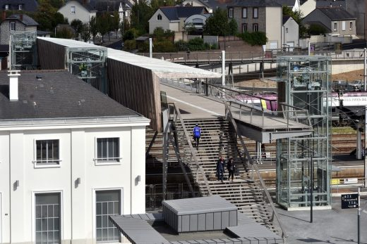 New footbridge over the high-speed train station in Laval, France