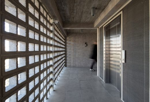 Apartment Building by SML ARQUITECTOS