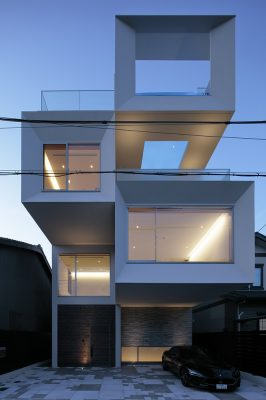 Concrete Square Tube House Kyoto