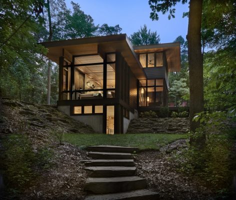 Lawless Retreat in Jones, Michigan Luxury Cabin