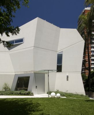Modern City home in Argentina design by RTN architects