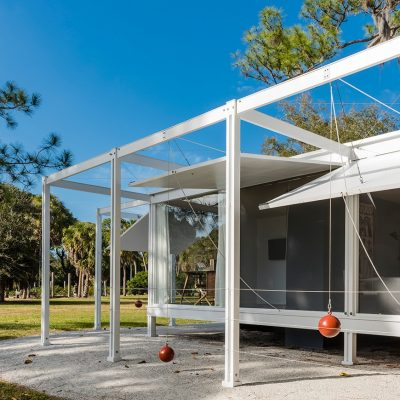 Paul Rudolph's Walker Guest House in Palm Springs USA