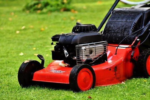 Sculpt Your Hills with a Riding Lawn Mower