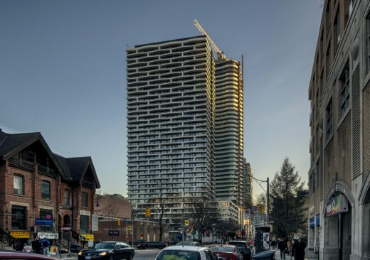 Axis Condos Downtown Toronto, 411 Church Street