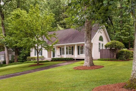 Improve Your Home Exterior Before Sale
