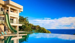 Waterfalling Estate Hawaii house swimming pool