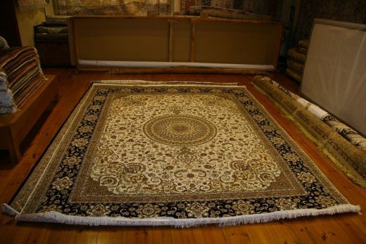 4 Most Effective Ways to Clean Rugs at Home