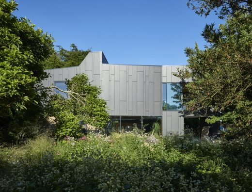 Windward House in Gloucestershire by ABA