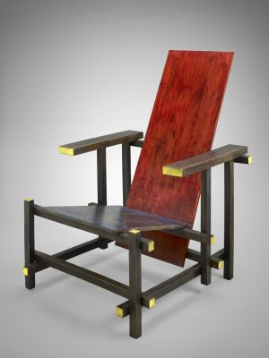 Gerrit Rietveld, RedBlue Chair at Nancy and Rich Kinder Building, MFAH