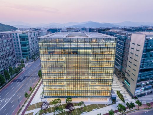 Hankook Technoplex in Pangyo Building by Foster + Partners