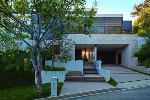 Beverly Hills home entry driveway garage