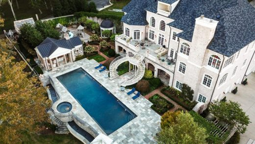 Kelly Clarksons Tennessee Lake Home