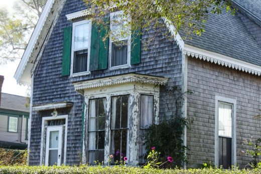 Sell a Fixer-Upper Without Making Any Repairs