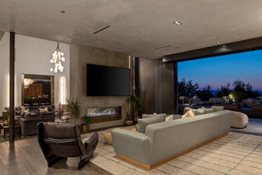 Beverly Hills Luxury Mansion For Sale