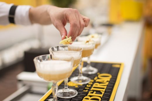 7 reasons to hire mobile bartenders to your party