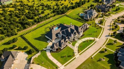 Perfect Tenants When Renting Your Luxury Home