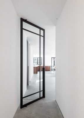 Pivoting room dividers by Portapivot