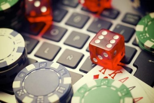 Are online casinos better than physical casinos?