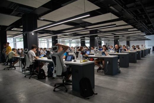 Effectively Customize An Open Space Office