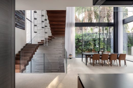 Hod HaSharon home by Raz Melamed architect stairs