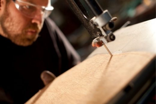 How to use a bandsaw in home workshop
