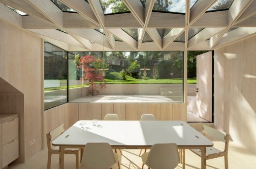Wooden Roof design by Tsuruta Architects England UK